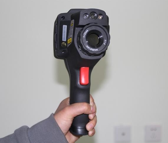 红外热成像摄像机的构成